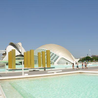 Design in het stadslandschap van Valencia. Ciudad de las artes i ciencias. foto: Pieter Verbeek.