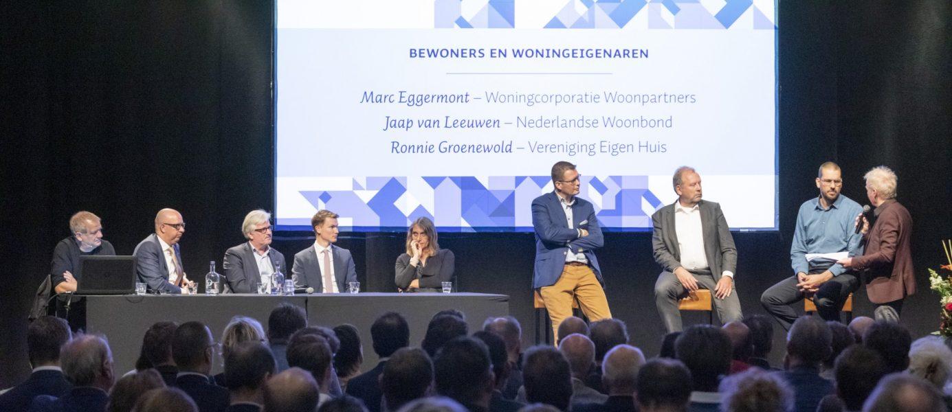 Presentatie Connect-NL. Foto: Fotobureau Bolsius. Van links naar rechts: Aart Wijnen, Jack Mikkers, Erik Merriënboer, Joram Snijders, Pallas Agterberg, Ronnie Groenewold, Marc Eggermont, Jaap van Leeuwen en Theo Verbruggen.
