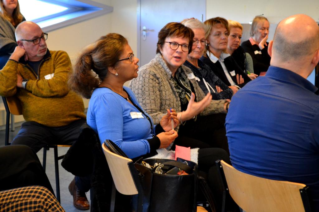 Bewoners, professionals en kennisinstellingen in gesprek tijdens de kennismarkt van het Stadslab Vergrijzing op 7 februari