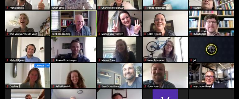 Mozaiekweergave van deelnemers aan de online bijeenkomst van de community of practice op 14 mei